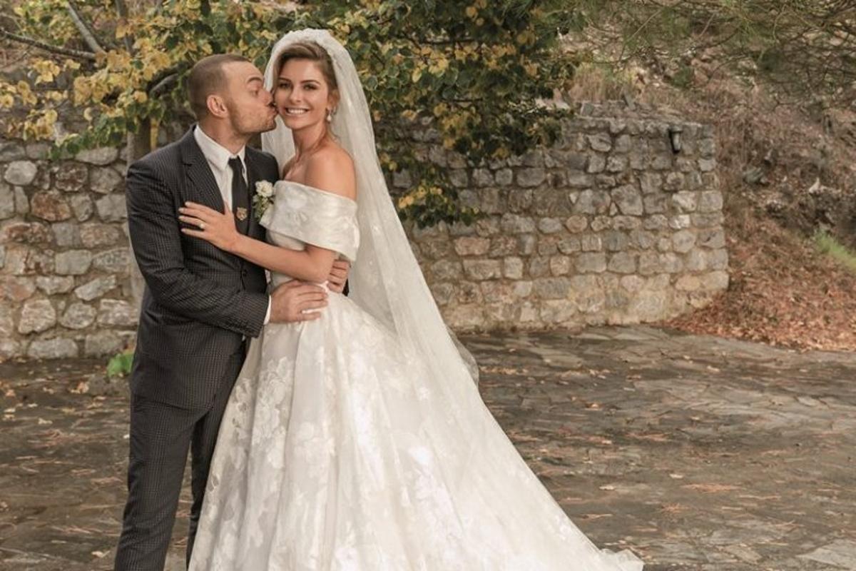 Μαρία Μενούνος: Αποκάλυψε για ποιο λόγο άργησε μιάμιση ώρα να πάει στον γάμο της!