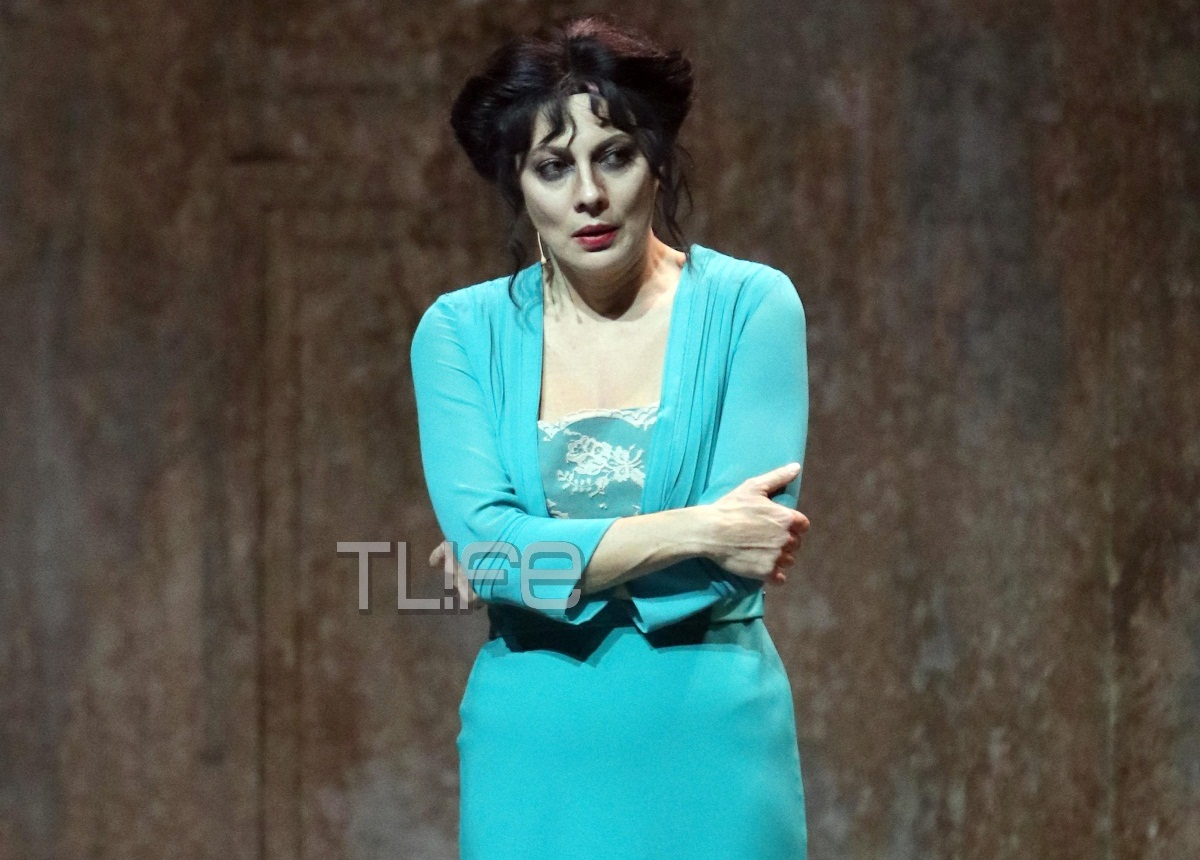 Σμαράγδα Καρύδη: Οι συμπρωταγωνιστές της στο Παρά Πέντε την απόλαυσαν στις «Μάγισσες της Σμύρνης» [pics]   tlife.gr