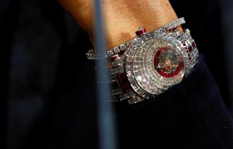 «Ζαλίζει» η αξία του ρολογιού του Ρονάλντο με τα 424 διαμάντια! [pics] | tlife.gr