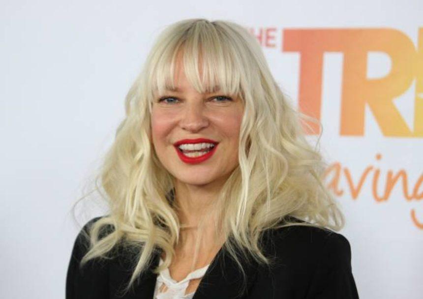 Sia: Το απίστευτο δώρο που έκανε σε 16χρονη συνεργάτιδά της! | tlife.gr