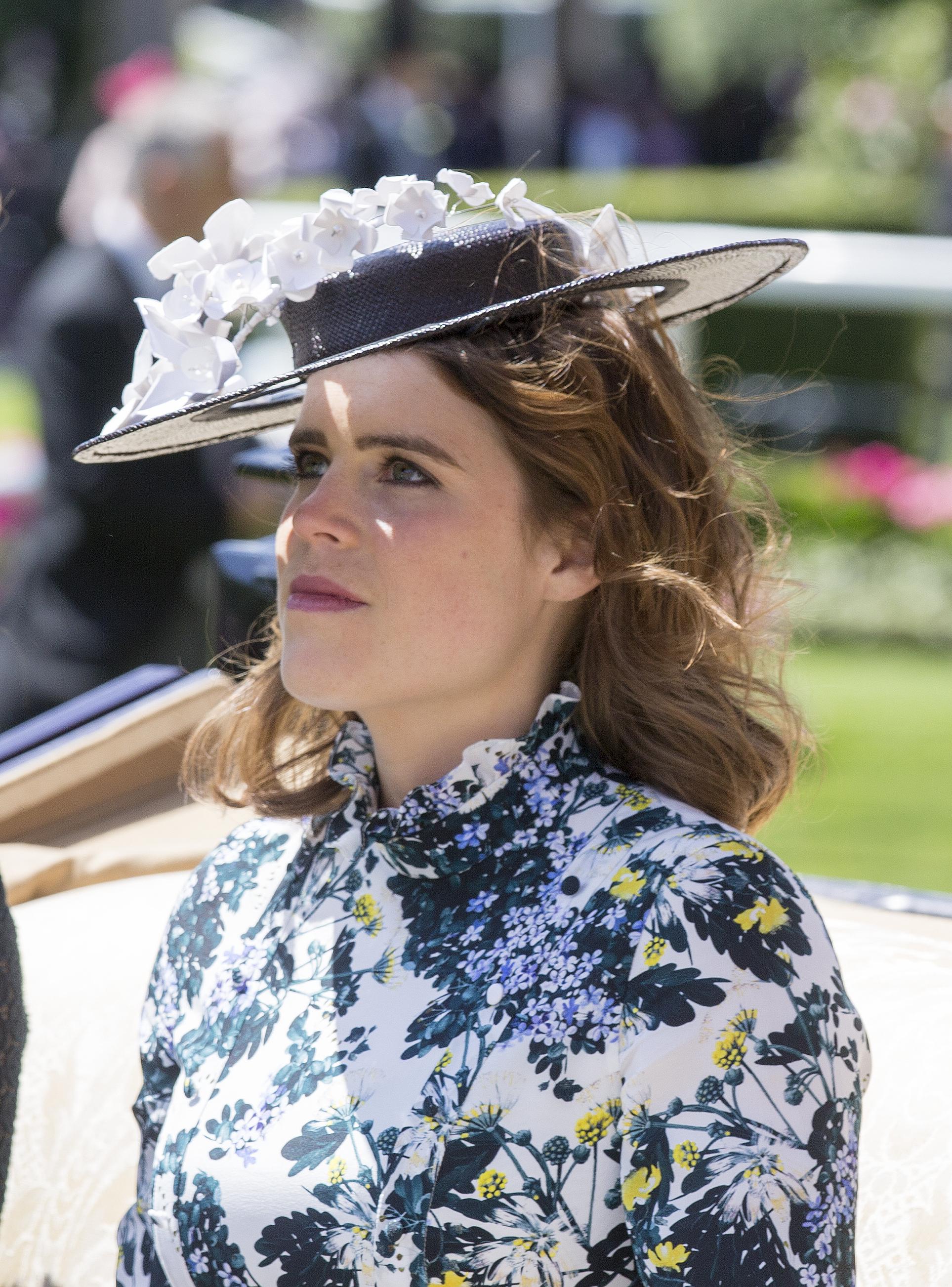 Πριγκίπισσα Ευγενία: ο λόγος που δεν φόρεσε πέπλο στο γάμο της! | tlife.gr