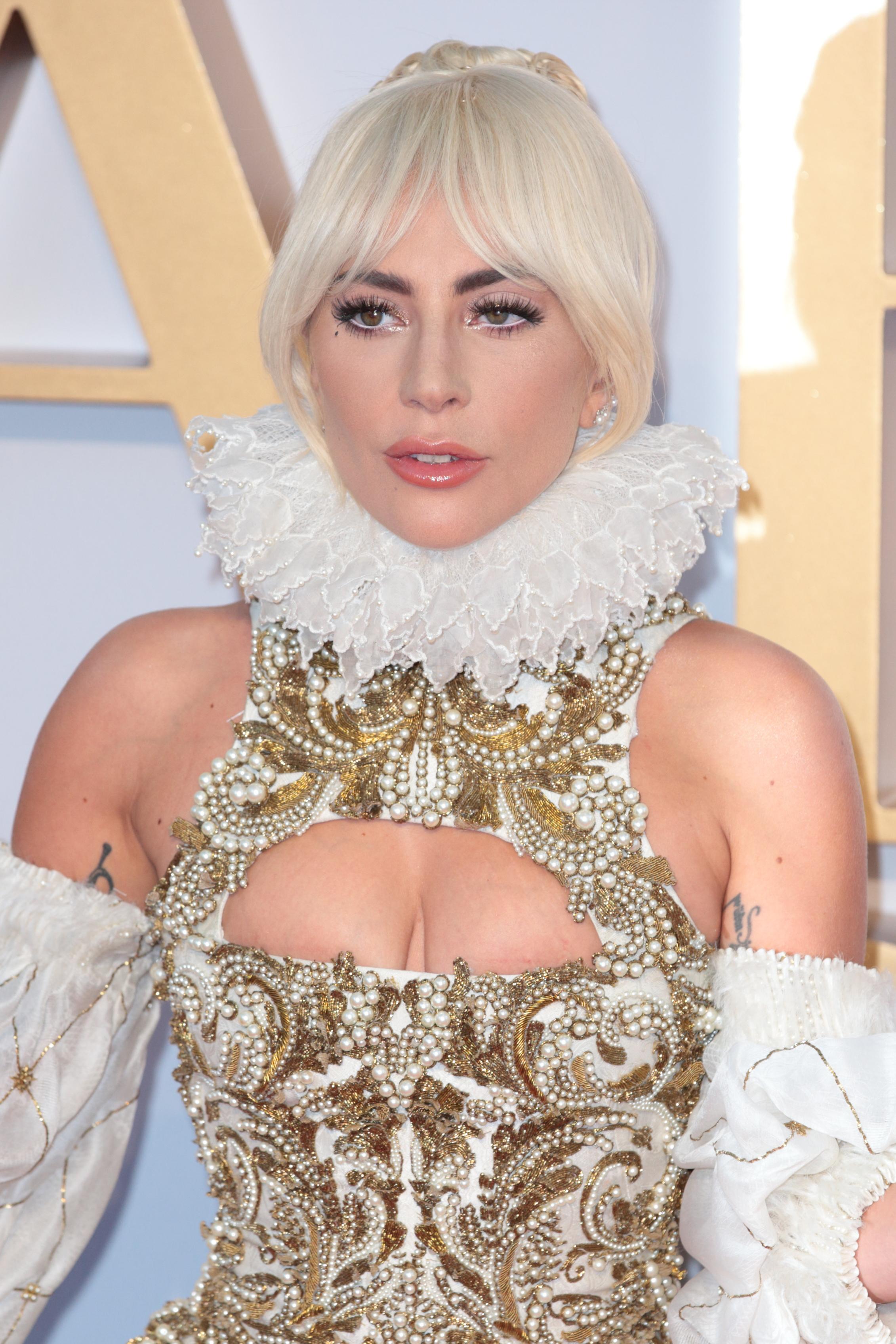H Lady Gaga έκανε κι άλλο makeunder (εδώ θα δεις τι είναι το makeunder αν δεν το ξέρεις)! | tlife.gr