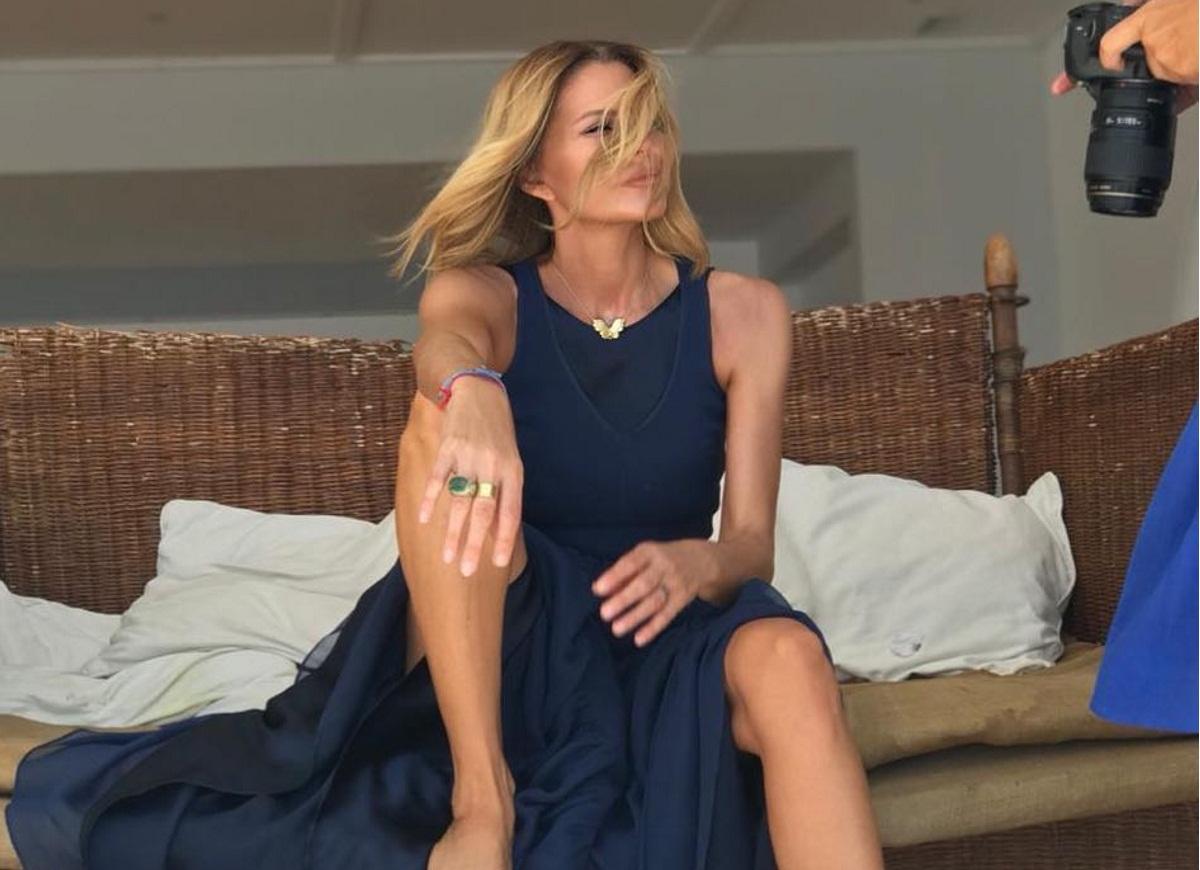 Τζένη Μπαλατσινού: Φθινοπωρινή απόδραση στο αγαπημένο της νησί! [pics,video] | tlife.gr