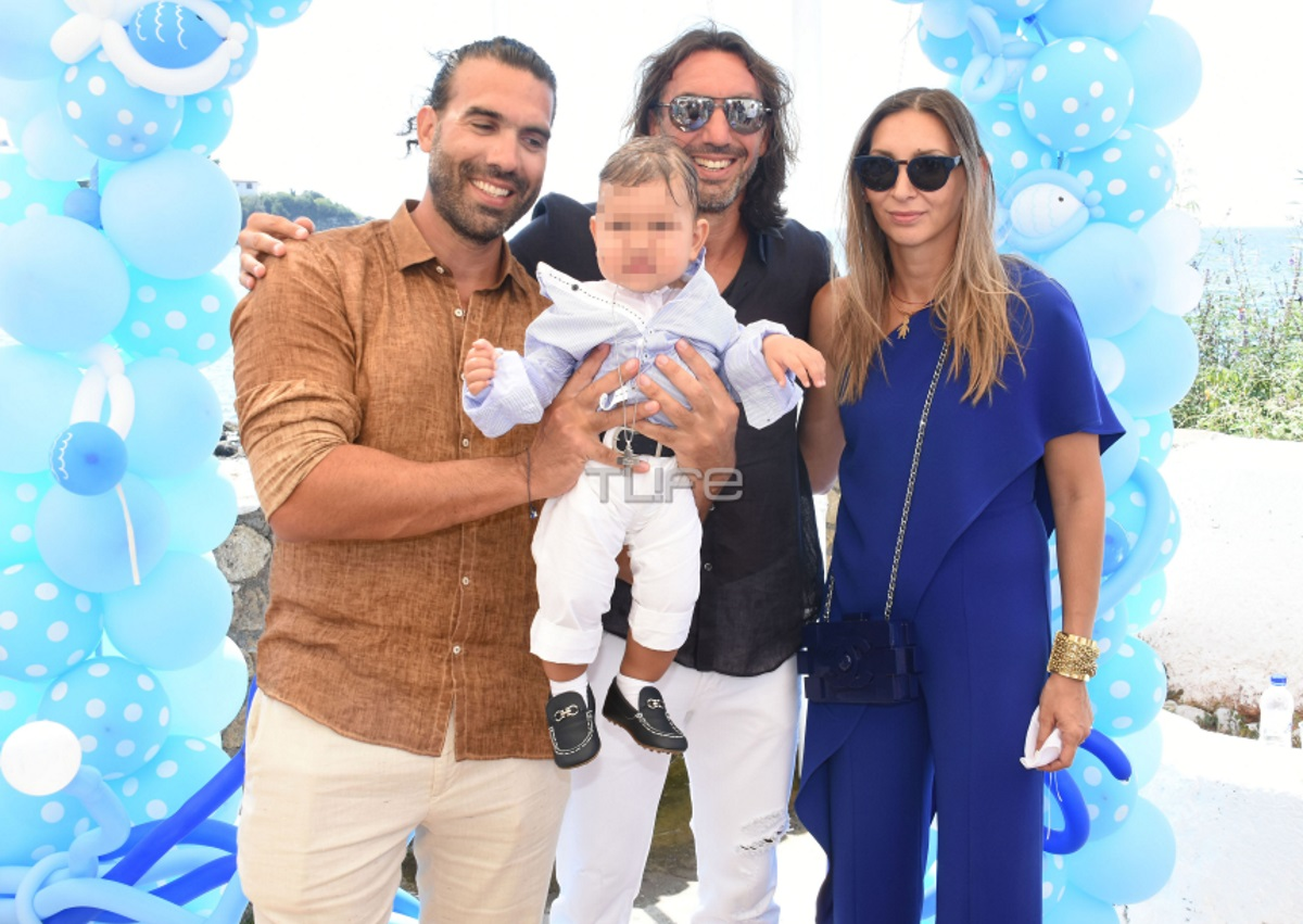 Φανή Χαλκιά – Λούης Καραμάνος: Το φωτογραφικό άλμπουμ της βάφτισης του γιου τους [pics] | tlife.gr