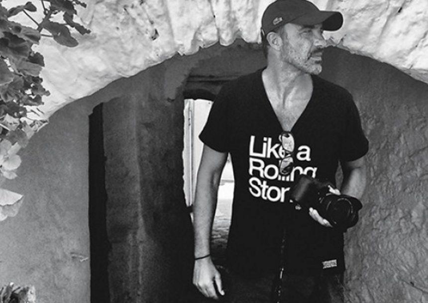 Ο Νίκος Αλιάγας μιλά για τη φωτογραφία και την έκθεσή του στο Παρίσι   tlife.gr