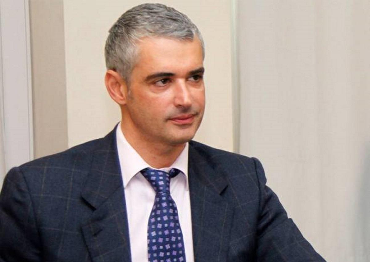 Άρης Σπηλιωτόπουλος: Έχει γίνει κολλητός με τον Τόνυ Σφήνο λόγω της συντρόφου του | tlife.gr
