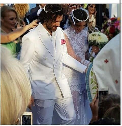 Νέα πλάνα από το γάμο της Αθηνάς Οικονομάκου στη Μύκονο – Η άφιξη της νύφης με σκάφος! | tlife.gr