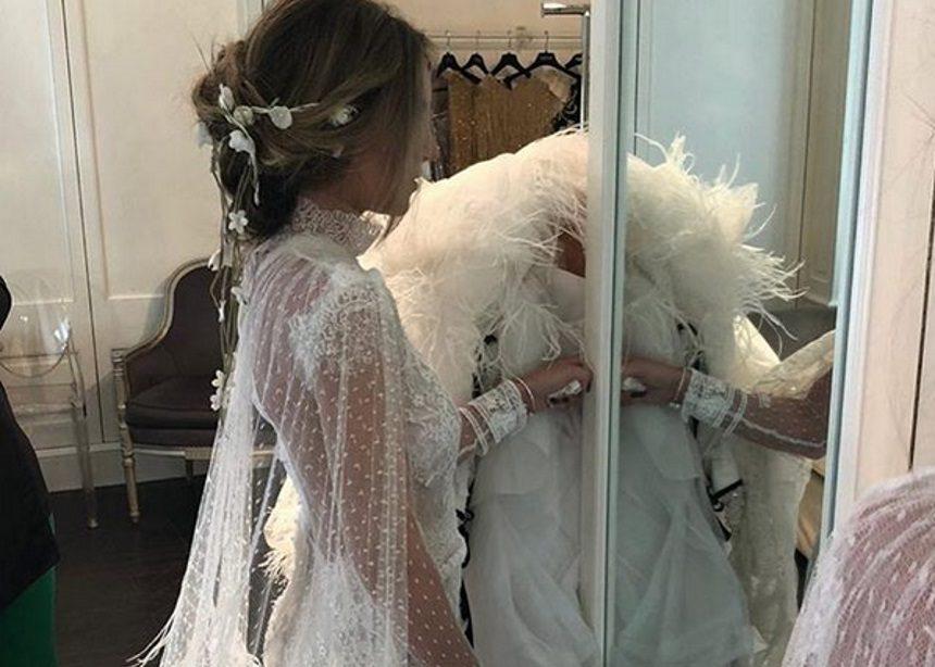 Η Αθηνά Οικονομάκου παντρεύτηκε! Το εντυπωσιακό νυφικό που σχεδίασε για εκείνη η Celia Kritharioti | tlife.gr