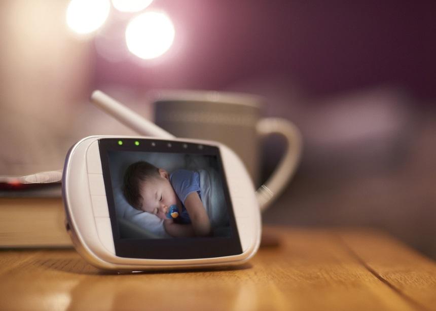 Μήπως να το σκεφτείς καλύτερα πριν αγοράσεις το σύστημα ενδοεπικοινωνίας του μωρού; | tlife.gr
