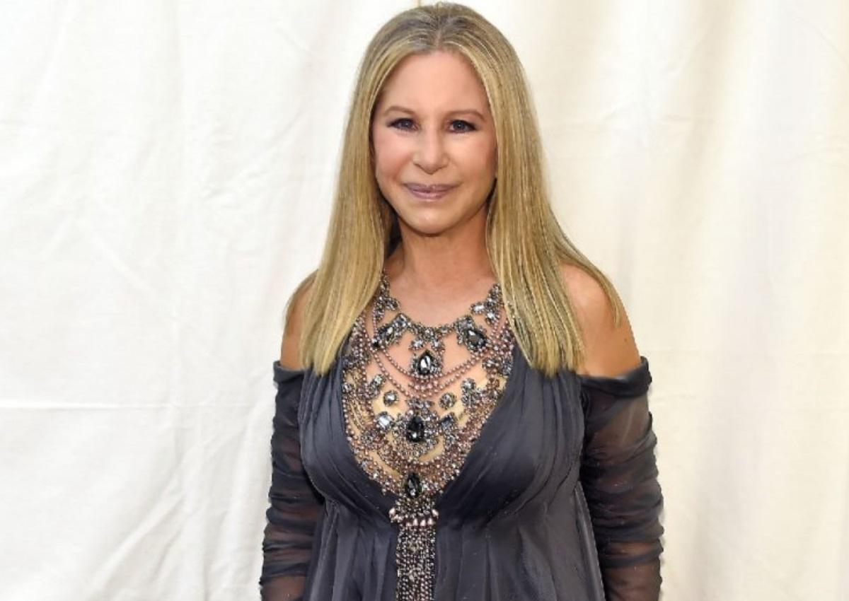 """Barbra Streisand: """"Είναι ηλίθιος και απατεώνας"""" – Τα """"έχωσε"""" στο Donald Trump!"""