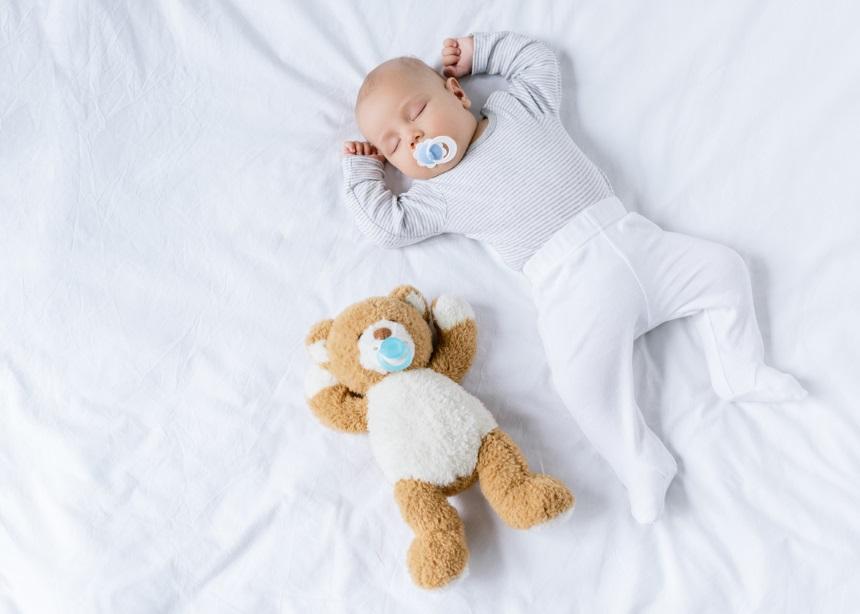 Ύπνος και μωρά: Ο Δρ. Σπύρος Μαζάνης εξηγεί τι να προσέχεις για να… κοιμάσαι ήσυχη! | tlife.gr