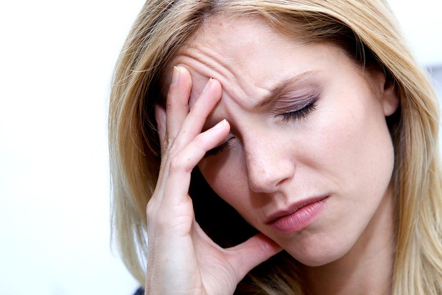Πονοκέφαλος: Πότε είναι ημικρανία και πότε ιγμορίτιδα | tlife.gr