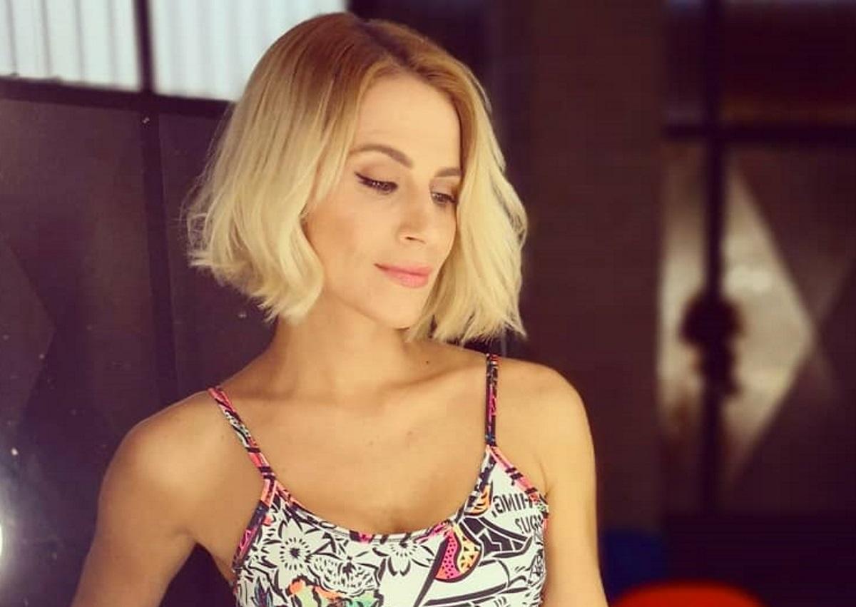 Νάντια Μπουλέ: Κάνει yoga δίπλα στο κύμα και μας δείχνει τις υπέροχες αναλογίες της! [pic] | tlife.gr