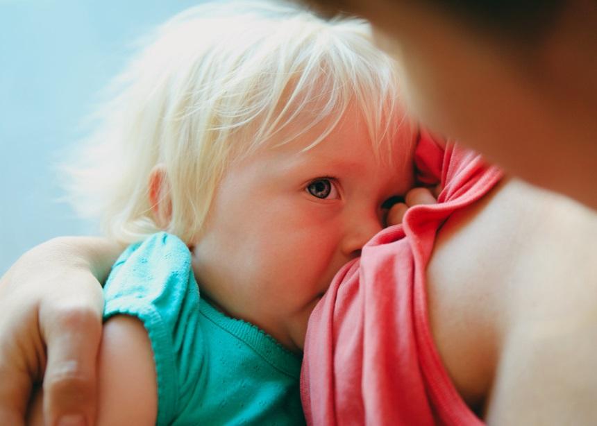 Πώς θα θηλάσεις με επιτυχία ένα μεγαλύτερο παιδί; Ο Δρ. Σπύρος Μαζάνης σε καθοδηγεί