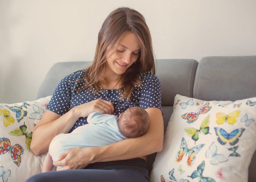 Μητρικός θηλασμός Vs Θήλαστρο: Έρευνα κάνει το crash test και υποστηρίζει τον θηλασμό | tlife.gr