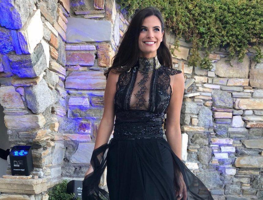 Χριστίνα Μπόμπα: Η σέξι εμφάνισή της στον γάμο της Αθηνάς Οικονομάκου στην Μύκονο! [pics,video] | tlife.gr