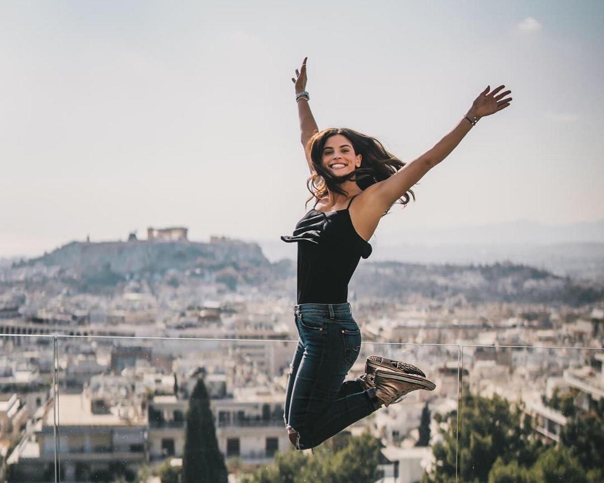 Χριστίνα Μπόμπα: Οι βόλτες της στο κέντρο της Αθήνας και το υγιεινό πρωινό που έφτιαξε στον Σάκη Τανιμανίδη! [pics] | tlife.gr