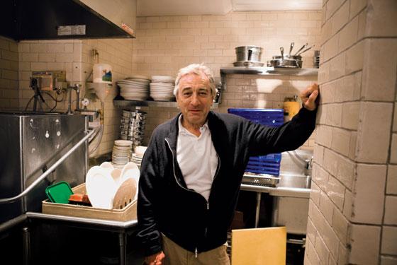 Νέος συναγερμός στη Νέα Υόρκη – Τρομοπακέτο στο εστιατόριο του Ντε Νίρο | tlife.gr