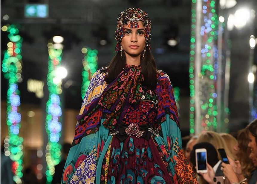 Dolce & Gabbana: Μια glamorous συλλογή με επιρροές από τη Μέση Ανατολή που παρουσιάστηκε στο Ντουμπάι | tlife.gr