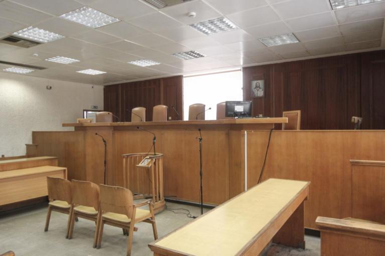 Έγκλημα στην Πετρούπολη: Ανατριχιαστικές περιγραφές για το πως βρέθηκε η 18χρονη Ειρήνη στα χέρια του πατέρα της | tlife.gr