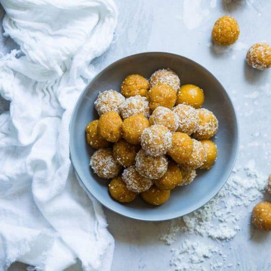 Energy balls με αποξηραμένα βερίκοκα και τρίμμα καρύδας | tlife.gr