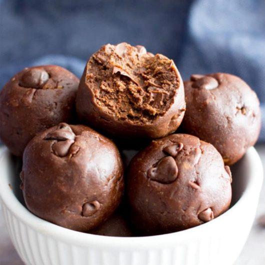 Energy balls με κακάο και κομματάκια σοκολάτας   tlife.gr