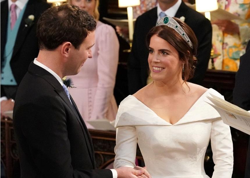 Πριγκίπισσα Ευγενία: Όλες οι λεπτομέρειες για το bridal look της! (Plus: Τι φόρεσαν οι επώνυμες καλεσμένες)   tlife.gr