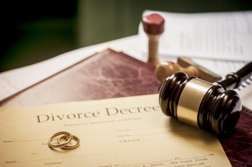 Διαζύγιο – «βόμβα» για διάσημο ζευγάρι μετά από 22 χρόνια γάμου! | tlife.gr