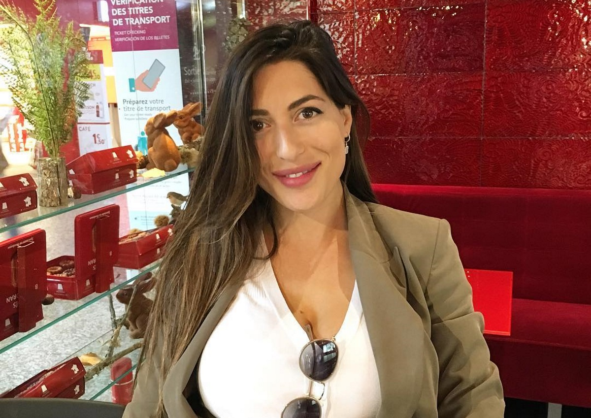 Φλορίντα Πετρουτσέλι: Απολαμβάνει τις βόλτες με την κόρη της! [pic]   tlife.gr