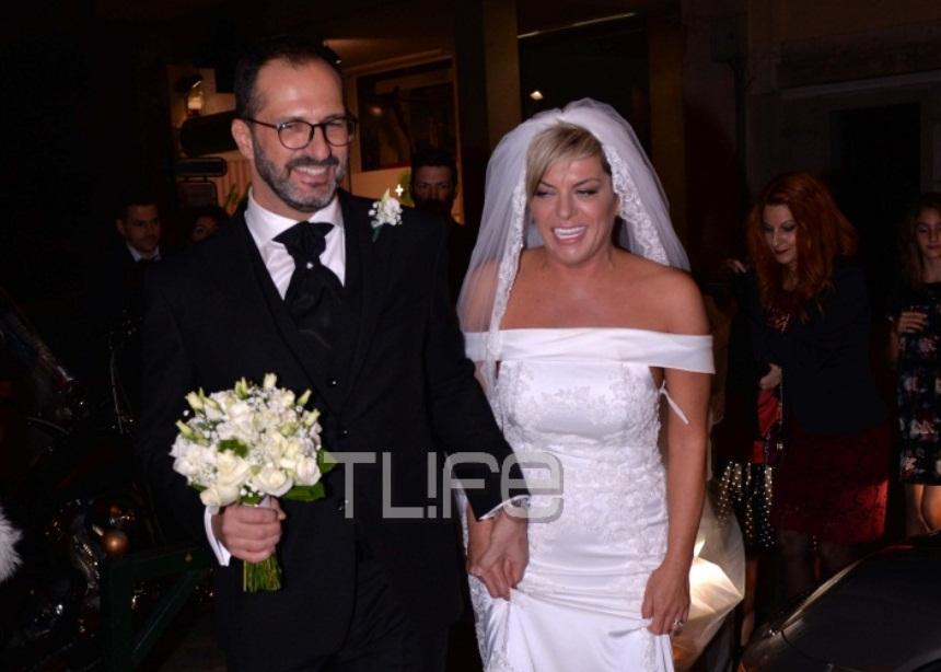 Κωνσταντίνος Δαυλός – Σοφία Νικολάου: Παντρεύτηκαν στο Κολωνάκι, λίγους μήνες μετά τη γνωριμία τους! Φωτογραφίες | tlife.gr