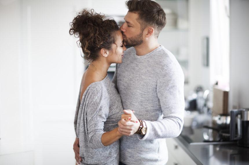 Νιώθεις το σύντροφό σου; Η σημαντικότητα της ενσυναίσθησης στις σχέσεις… | tlife.gr