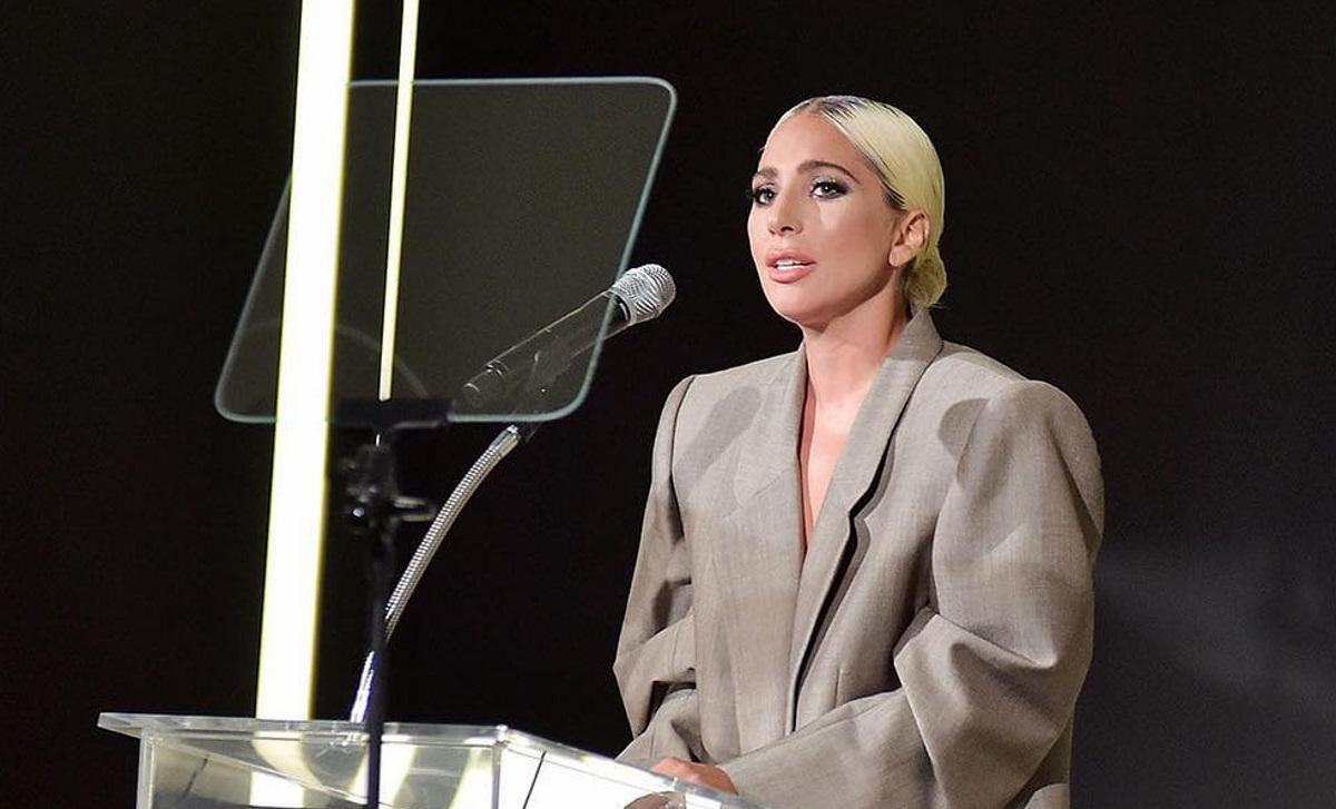 Lady Gaga: Η ομιλία της για τον βιασμό που δέχτηκε σε νεαρή ηλικία προκάλεσε ρίγη συγκίνησης – Video   tlife.gr