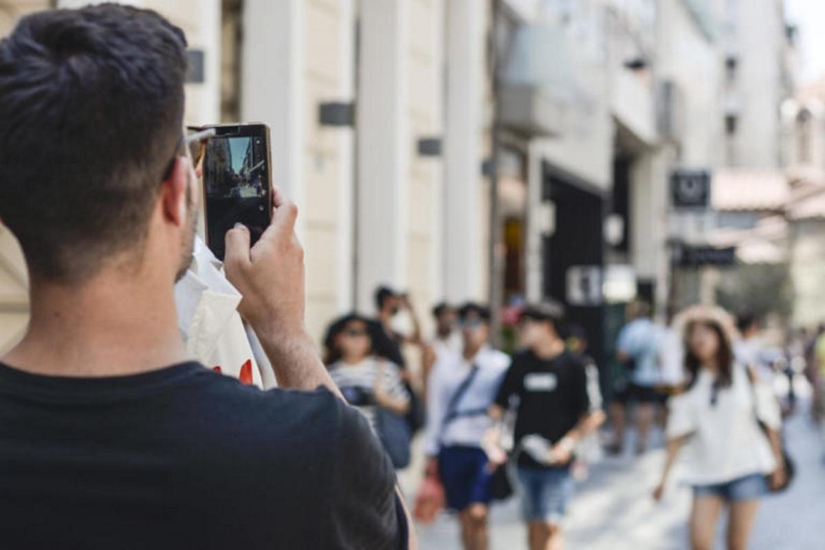 Ανατροπή με φραγή στο κινητό τηλέφωνο – Που μπαίνει το πλαφόν   tlife.gr