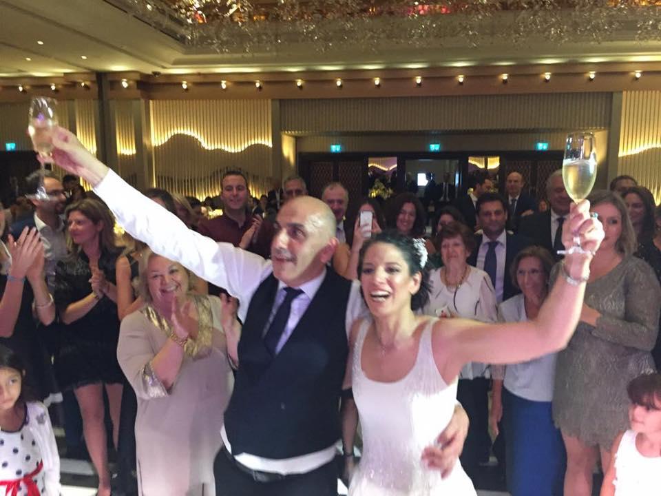 Μανώλης Κωστίδης: O λαμπερός γάμος του δημοσιογράφου, με την αγαπημένη του στο Πατριαρχείο | tlife.gr