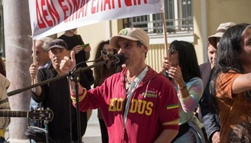 Στην Θεσσαλονίκη ο Manu Chao! Στις διαδηλώσεις των μουσικών του δρόμου – Video | tlife.gr