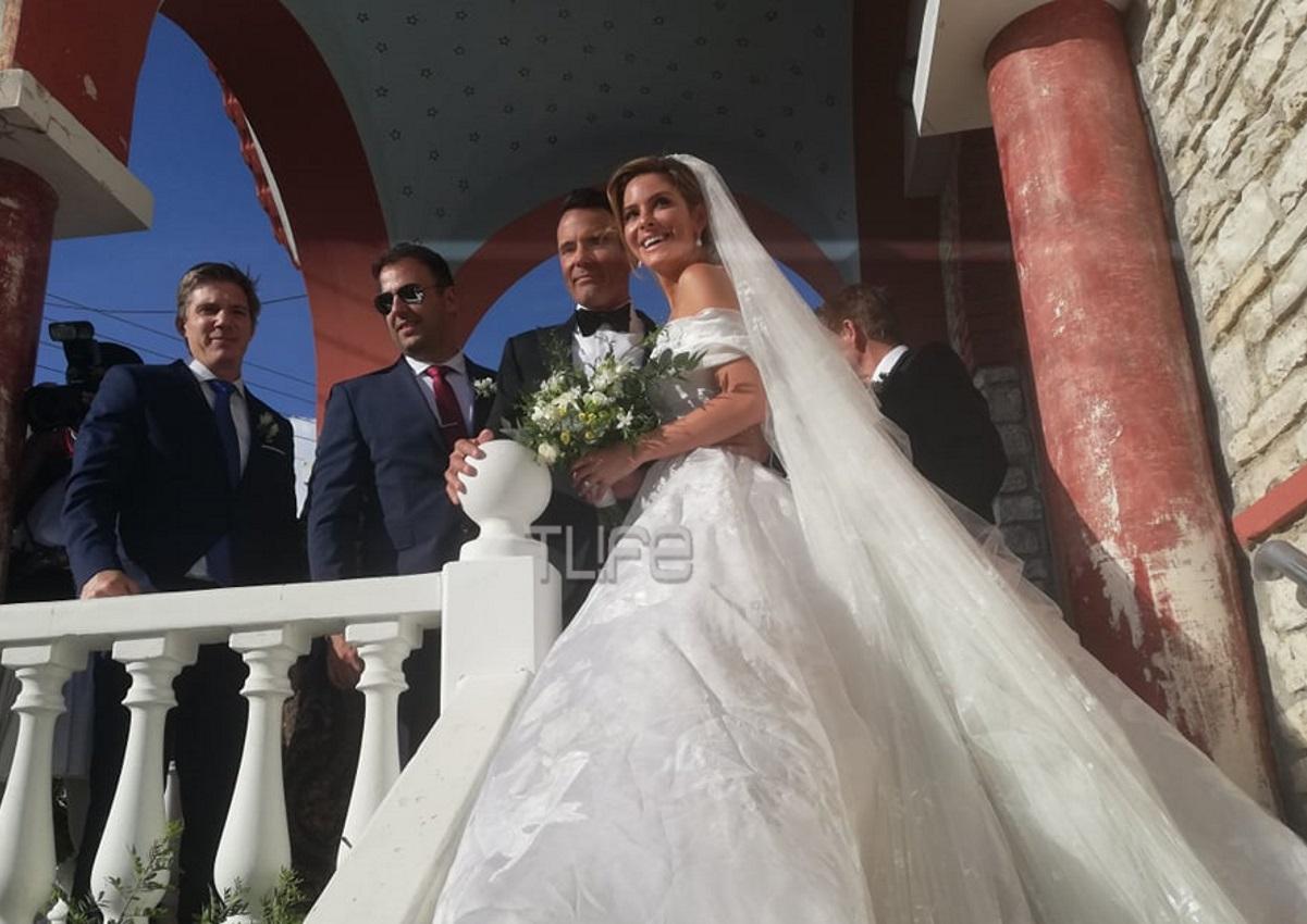 Μαρία Μενούνος – Keven Undergaro: Οι πρώτες εικόνες από το γάμο τους στο Άκοβο Αρκαδίας!