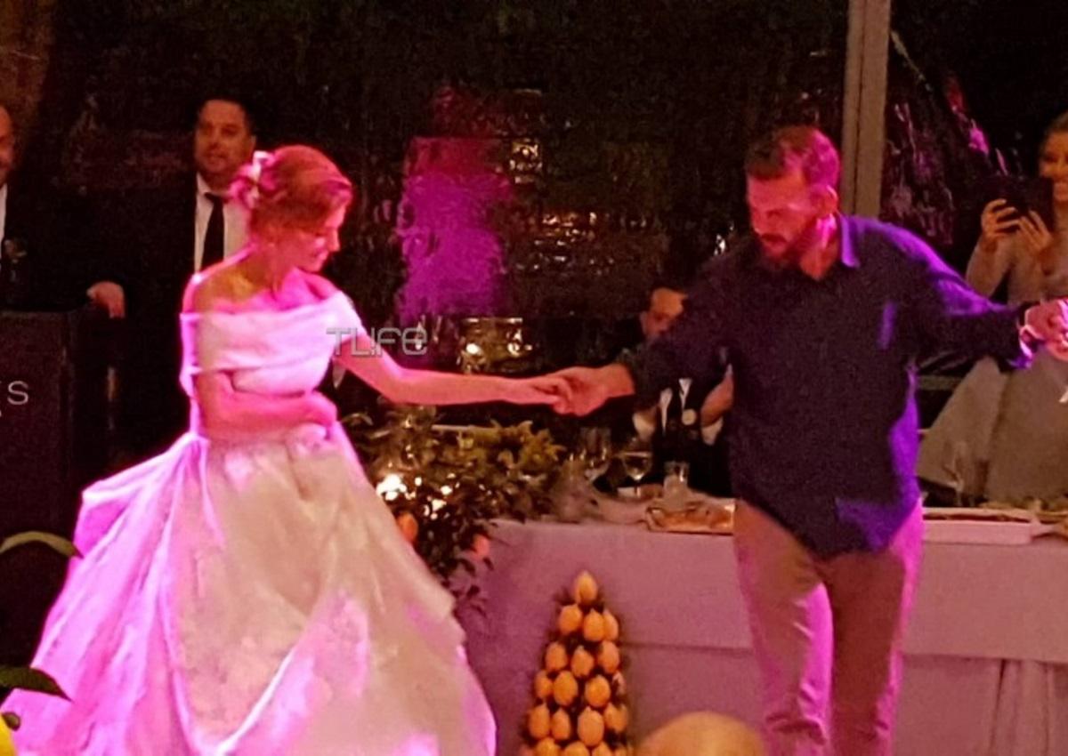 Μαρία Μενούνος: Ο ασταμάτητος χορός στη δεξίωση και το ζεϊμπέκικο του μπαμπά της! Video