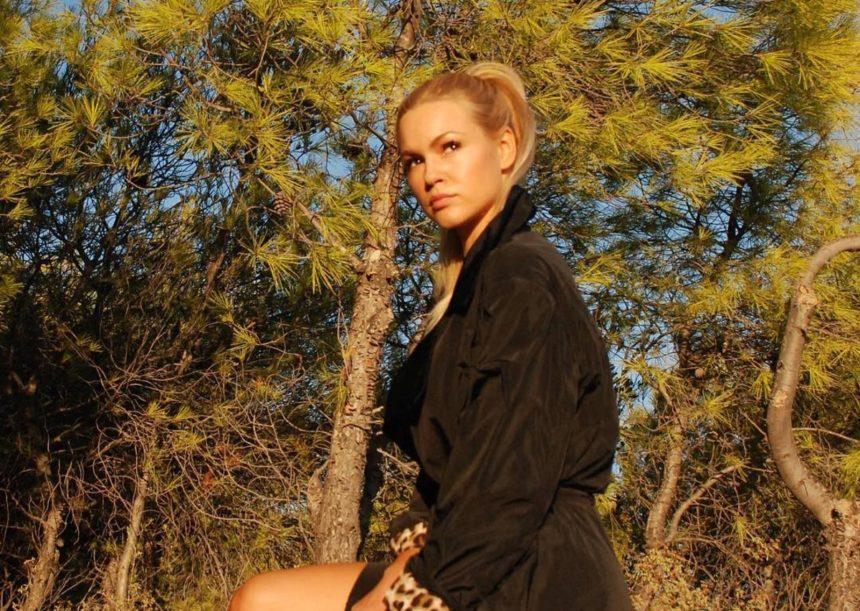 Βίκυ Κάβουρα: Απολαμβάνει τις βόλτες της στο Las Vegas [pics]   tlife.gr