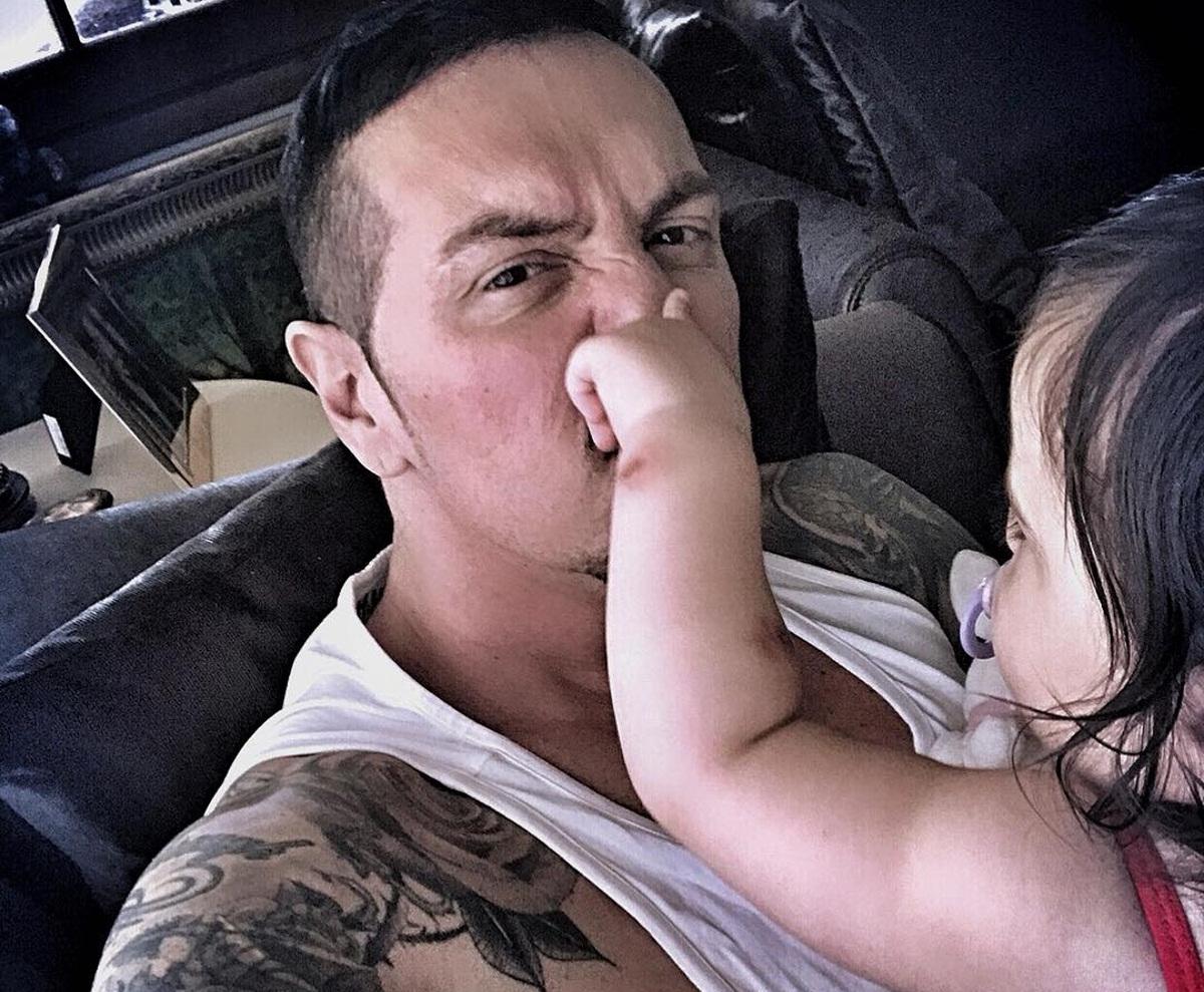 Νίκος Βουρλιώτης: Ποζάρει με την πανέμορφη κόρη του! [pic]   tlife.gr