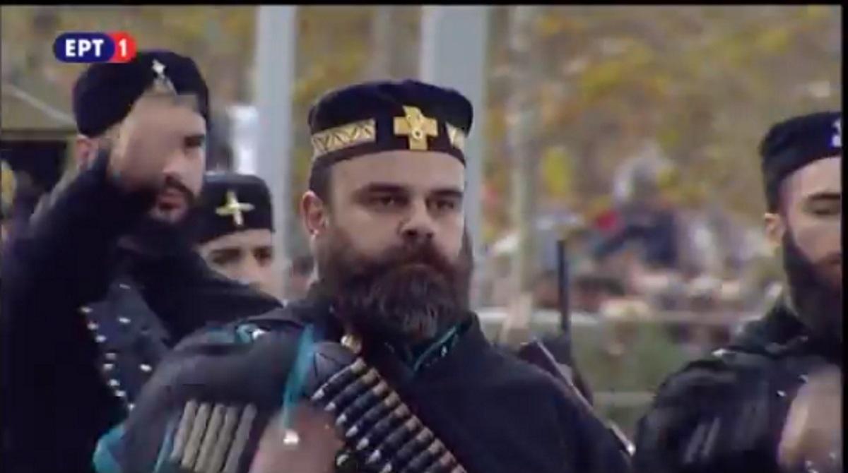 «Η Μακεδονία είναι Ελληνική» – Η… ιαχή των Ποντίων στη στρατιωτική παρέλαση της Θεσσαλονίκης – Παρών ο Ιταλός πρόεδρος για μια ιστορική συγγνώμη | tlife.gr