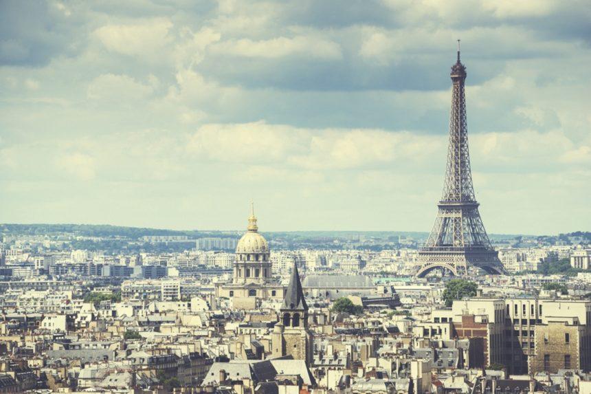 Για πρώτη φορά ένας δρόμος στο Παρίσι παίρνει το όνομά του από σχεδιαστή μόδας! | tlife.gr