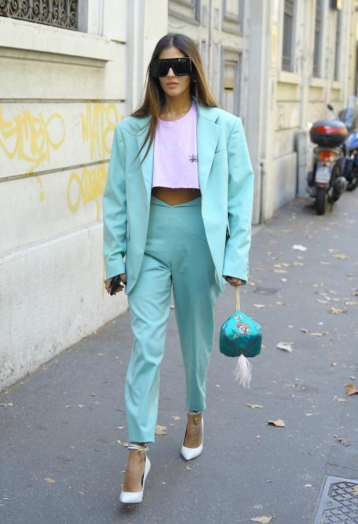 Παρίσι με aqua κοστούμι | tlife.gr