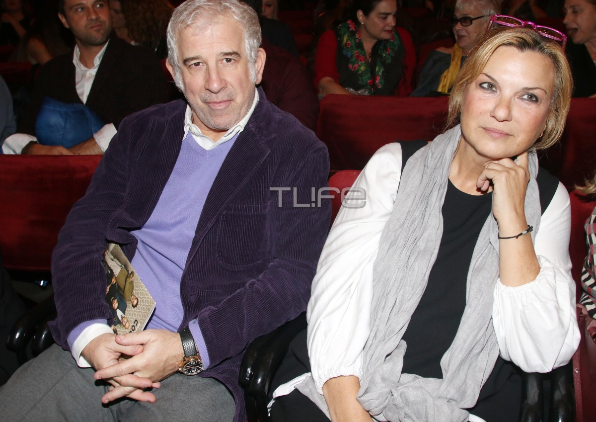 Πέτρος Φιλιππίδης: Σπάνια βραδινή έξοδος στο θέατρο με την γοητευτική σύζυγό του! [pics] | tlife.gr
