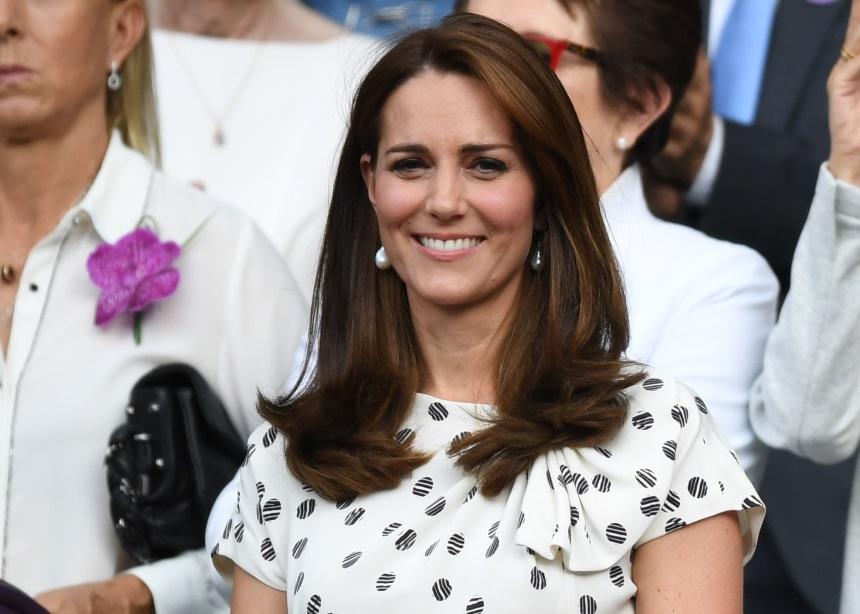 Ποια είναι η στιλιστική συνήθεια που έχει η Pippa και η Kate Middleton;