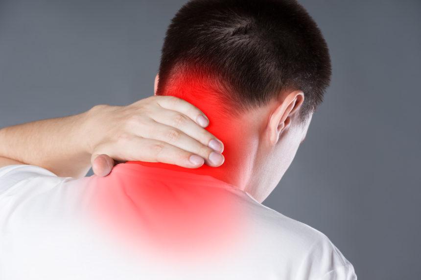 """Πόνος στον αυχένα: Πώς θα φύγει μέσα σε 60""""   tlife.gr"""