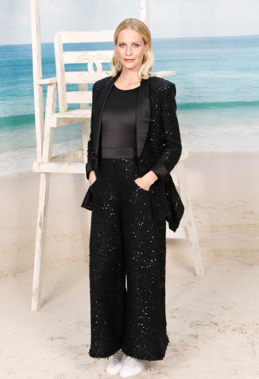 Η Poppy Delevingne με Chanel   tlife.gr