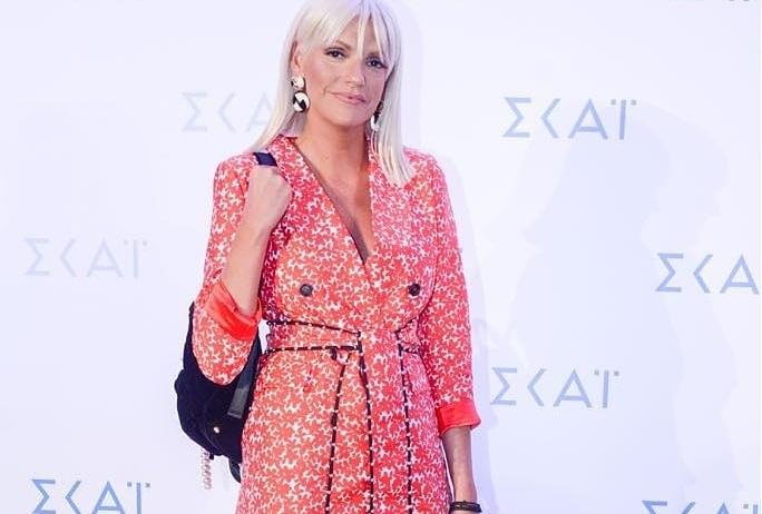 Σάσα Σταμάτη: Καλεσμένη στο Gala του ΣΚΑΪ με haute couture δημιουργία της Celia Kritharioti![pics] | tlife.gr