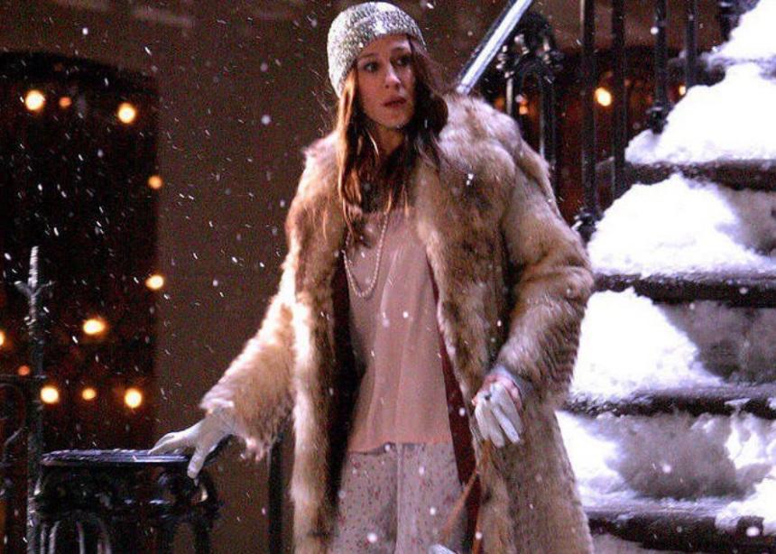 Τρεις μεγάλες τάσεις της φετινής σεζόν που φορούσε η Carrie Bradshaw | tlife.gr