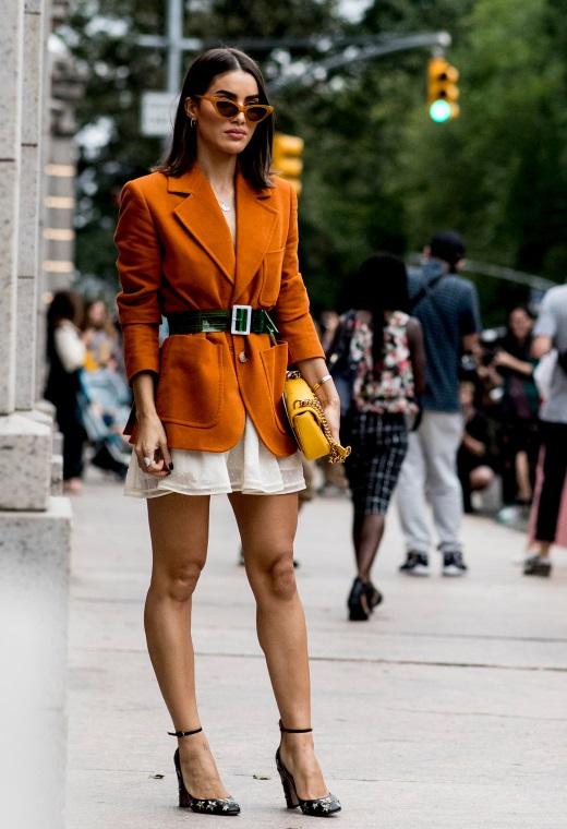 Νέα Υόρκη με slip dress | tlife.gr