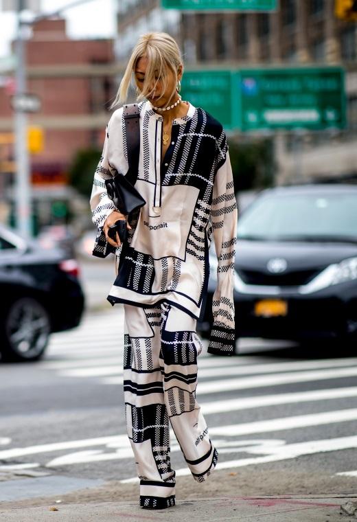 Νέα Υόρκη με pyjama set | tlife.gr